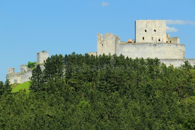 Ruinen des Rabi Schlosses stockfotografie