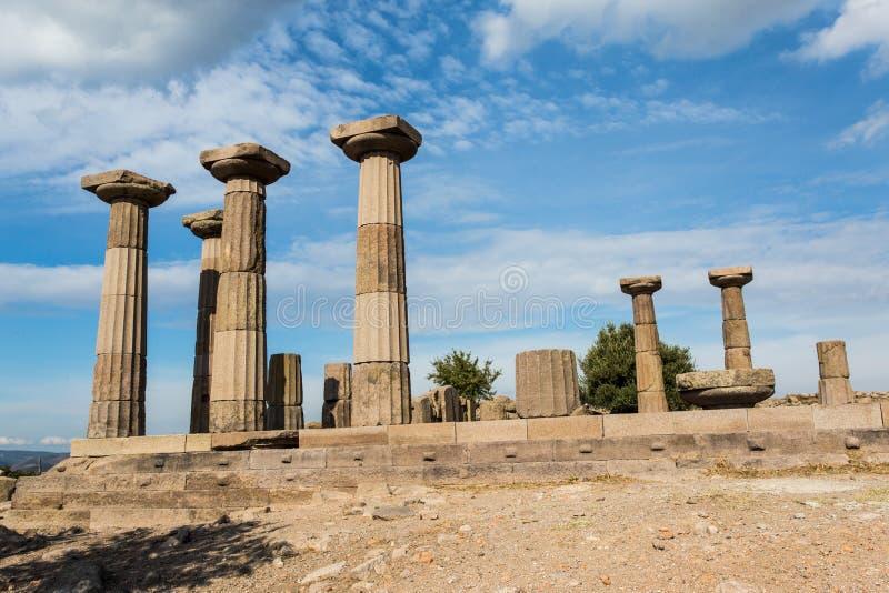 Ruinen des Tempels von Athene in Assos lizenzfreies stockfoto