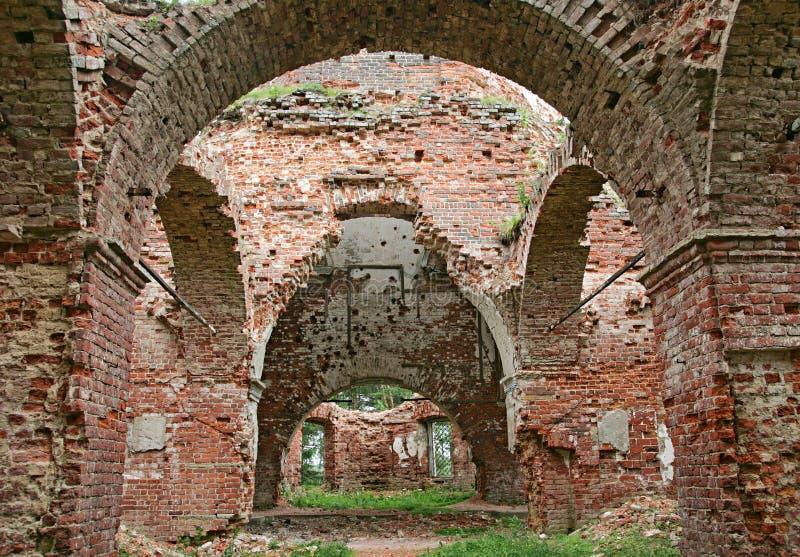 Ruinen einer Kirche lizenzfreies stockbild