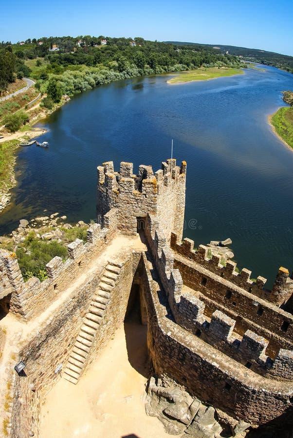 Ruinen eines mittelalterlichen Schlosses, Almourol, Portugal stockbild