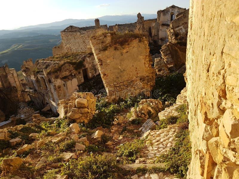 Ruinen fast zerstört stockfotografie