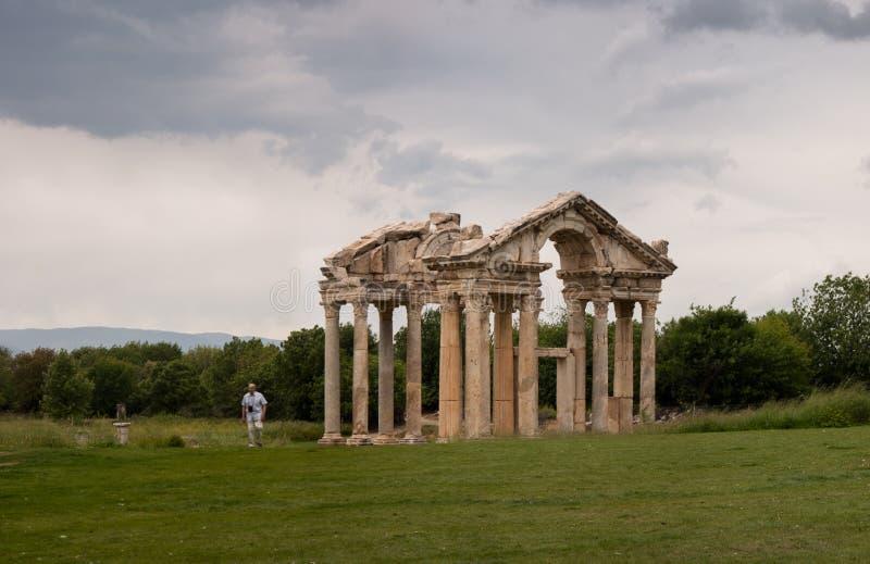Ruinen von afrodisias Tetrapylon lizenzfreies stockfoto