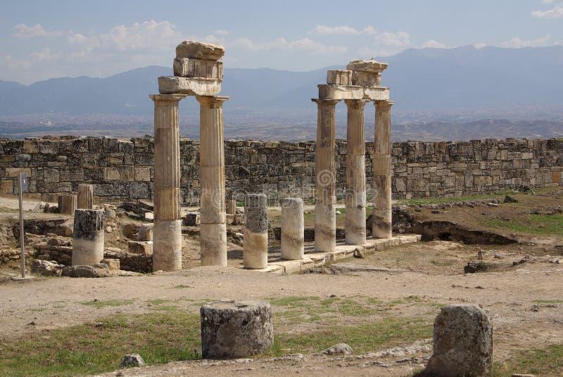 Ruinen von altem Hierapolis bei Sonnenuntergang, Pamukkale, die Türkei stockfoto