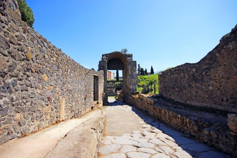Download Ruinen von altem Pompeji stockbild. Bild von unfall, spalte - 96931089
