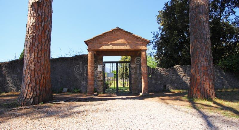 Download Ruinen von altem Pompeji stockfoto. Bild von outdoor - 96932022