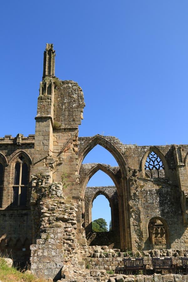 Ruinen von Bolton-Abtei lizenzfreie stockfotos