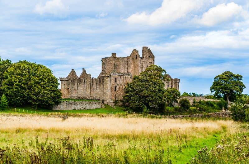 Ruinen von Craigmillar ziehen sich in Edingurgh, Schottland zurück lizenzfreie stockbilder
