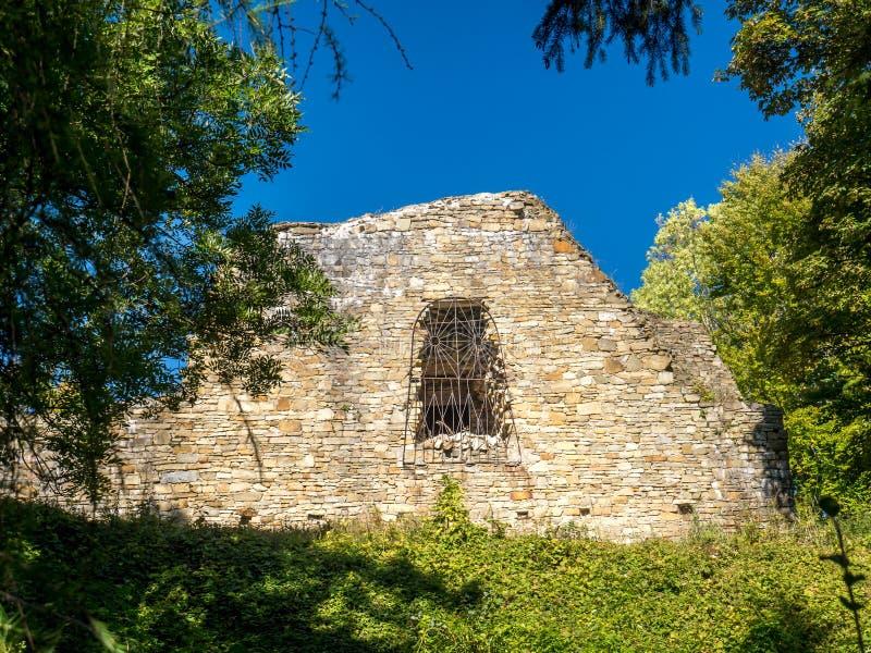 Ruinen von Lanckorona-Schloss lizenzfreie stockfotografie
