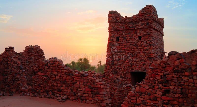 Ruinen von Ouadane-Festung in Sahara Mauritania lizenzfreie stockbilder