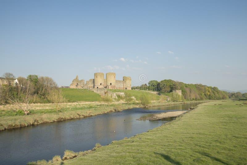 Ruinen von Rhuddlan-Schloss in Nord-Wales, Großbritannien stockbild