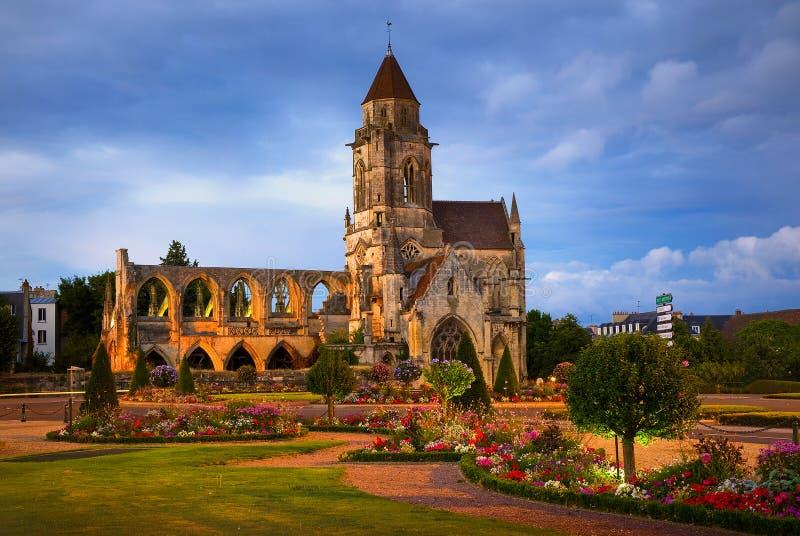 Ruinen von St.-Etienne-Le-Vieux in Caen, Normandie, Frankreich lizenzfreie stockbilder