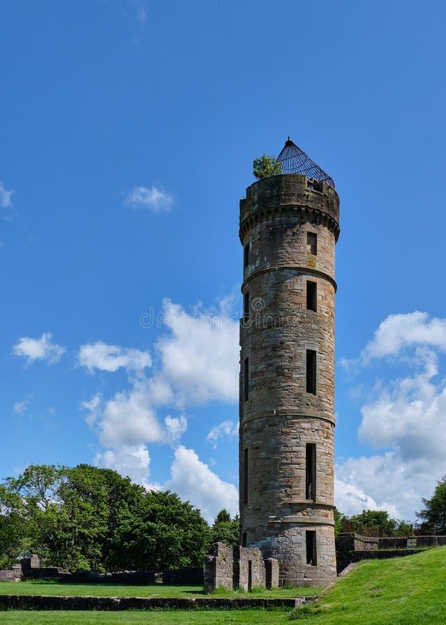 Ruines écossaises antiques chez Eglinton dans l'été photo libre de droits