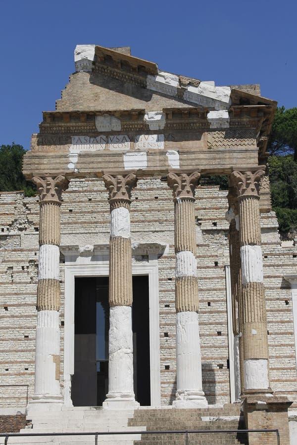 Download Ruines image stock. Image du monument, impérial, capital - 77161789