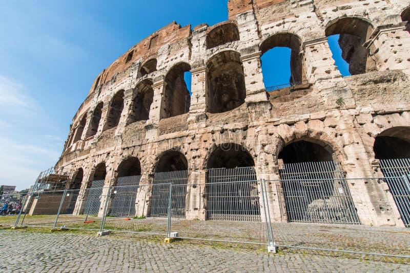 Download Ruines Antiguos De Roma En Brillante Imagen de archivo - Imagen de antiguo, día: 41917207
