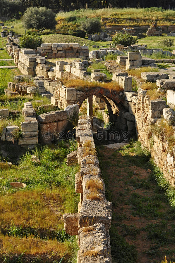 Ruines antiques de cimetière photo libre de droits