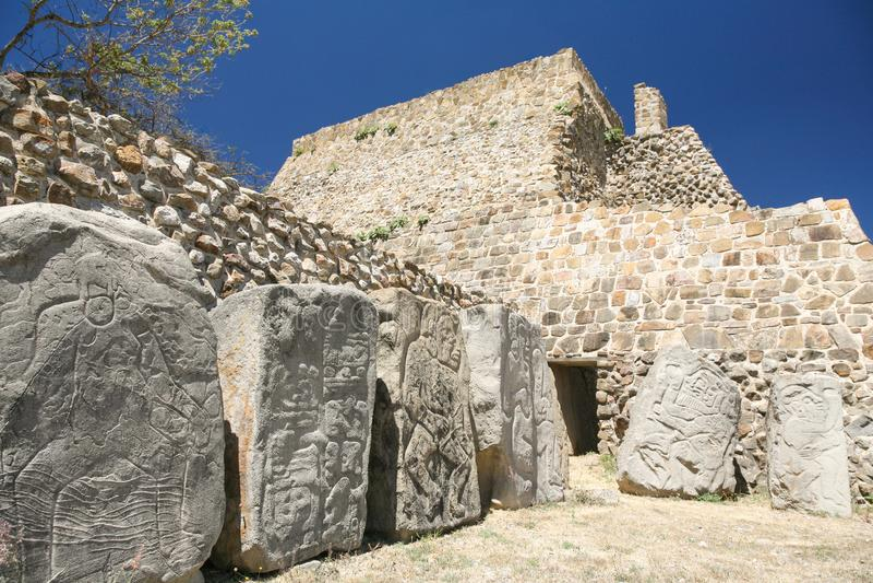 Ruines antiques de Mexicain sur Monte Alban, Oaxaca, Mexique images libres de droits