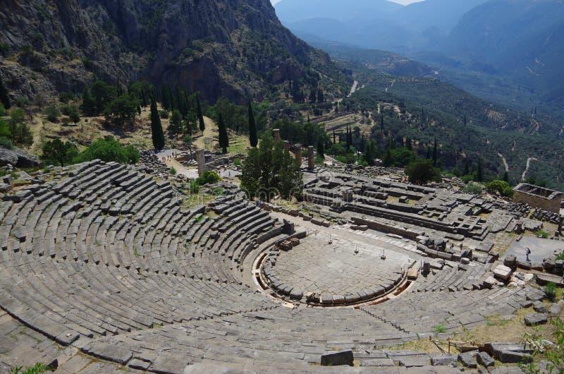 Ruines antiques de temple d'Apollo à Delphes, Grèce photographie stock libre de droits