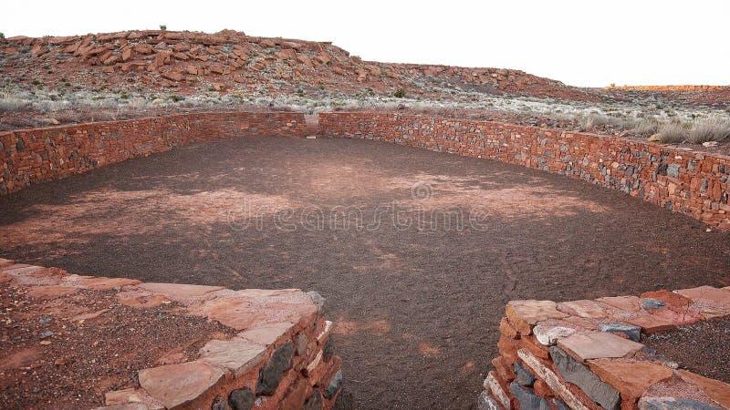 Ruines cérémonieuses de cour de boule au monument national de Wupatki photos stock