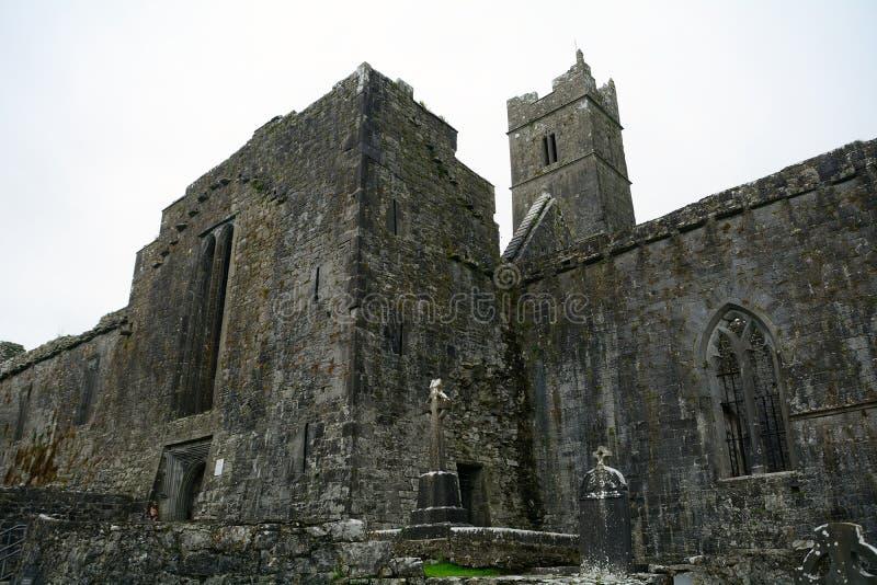 Ruines d'abbaye, Quin, Irlande photos stock
