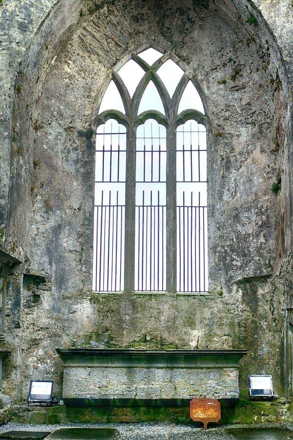 Ruines d'abbaye, Quin, Irlande photographie stock