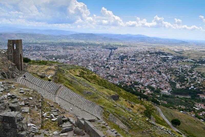 Ruines d'amphithéâtre dans la ville Pergamon du grec ancien photographie stock