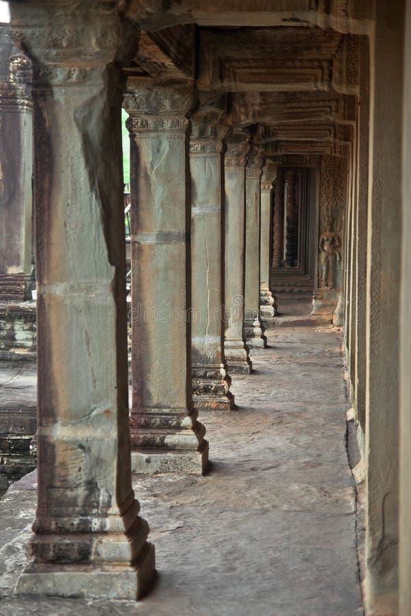 Ruines d'Angkor Vat dans la jungle photographie stock