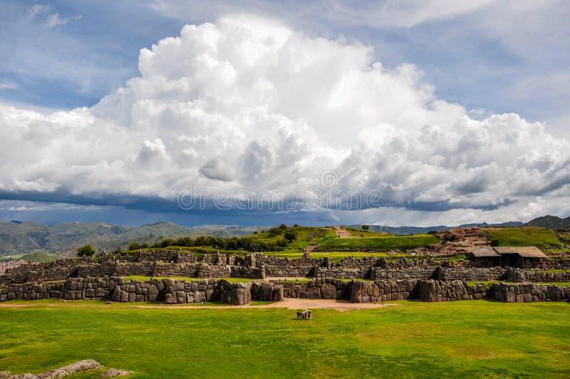 Ruines d'Inca de Saqsaywaman près de Cusco, Pérou photo libre de droits