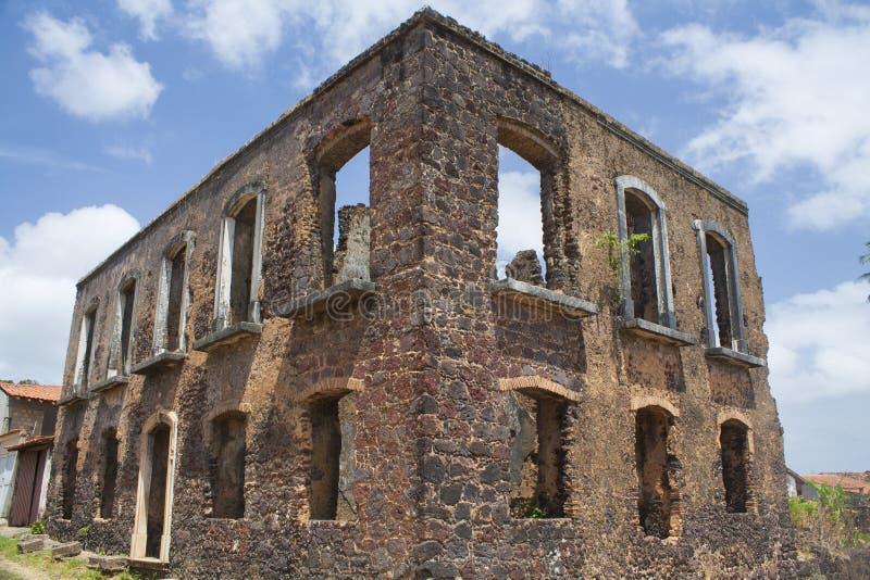 Ruines d'un bâtiment historique dans la ville de l'alcantara photographie stock libre de droits