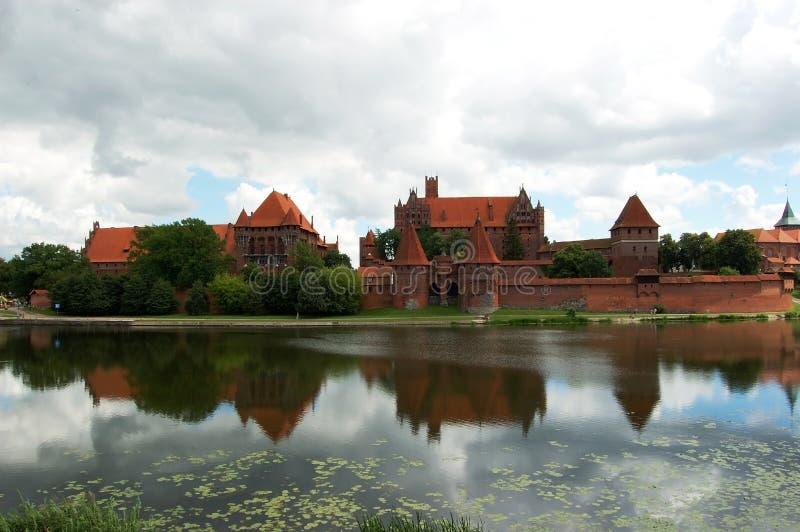 Ruines d'un château médiéval photos libres de droits