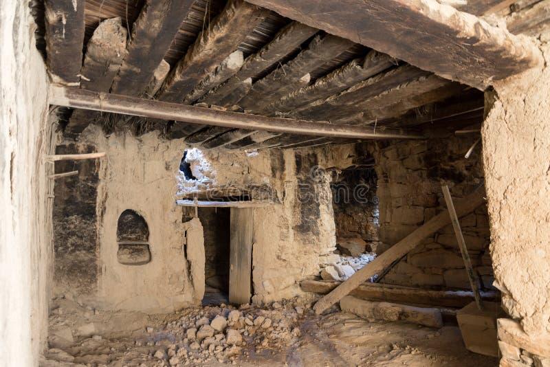 Ruines d'une vieille maison d'argile images stock