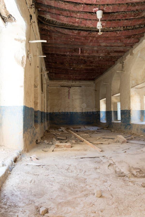 Ruines d'une vieille maison d'argile photographie stock libre de droits