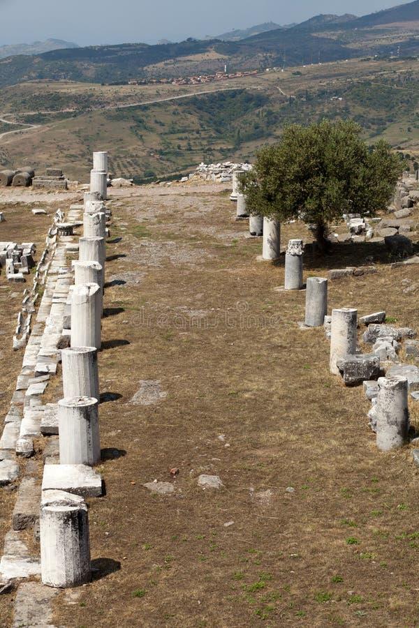 Ruines dans la ville antique de Pergamon photographie stock libre de droits
