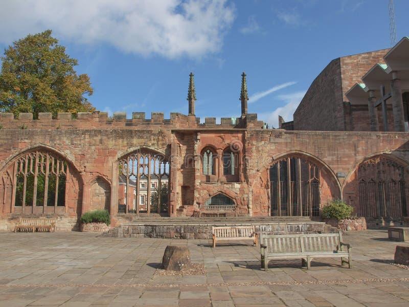 Ruines de cathédrale de Coventry image libre de droits