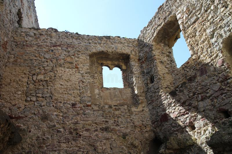 Ruines de château de Beckov photos stock