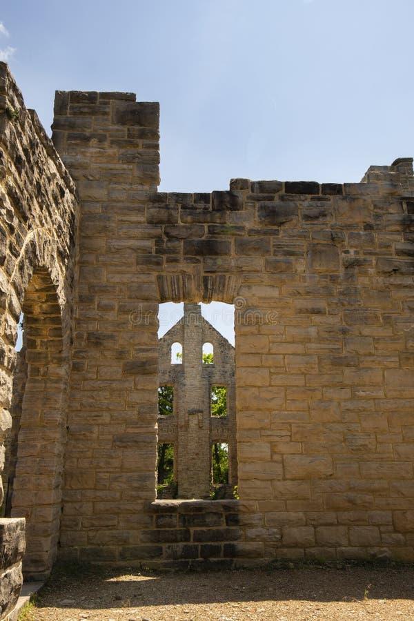 Ruines de château d'ha ha Tonka photographie stock libre de droits