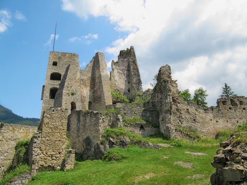Ruines de château de Likava photo libre de droits