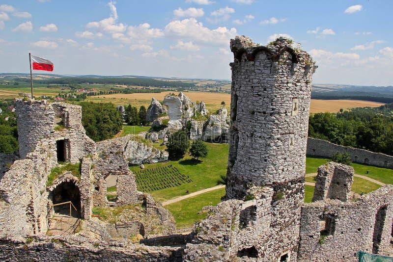 Ruines de château du château médiéval d'Ogrodzieniec photo libre de droits