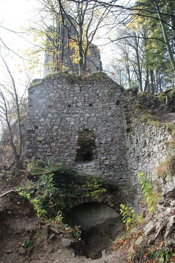 Ruines de château de Starhrad dans la région d'ilina de ½ de Å photo stock