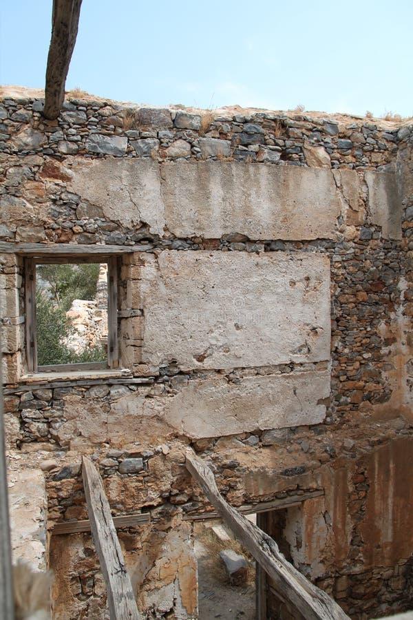 Ruines de Chambre, forteresse de colonie de lépreux de Spinalonga, Elounda, Crète photos stock