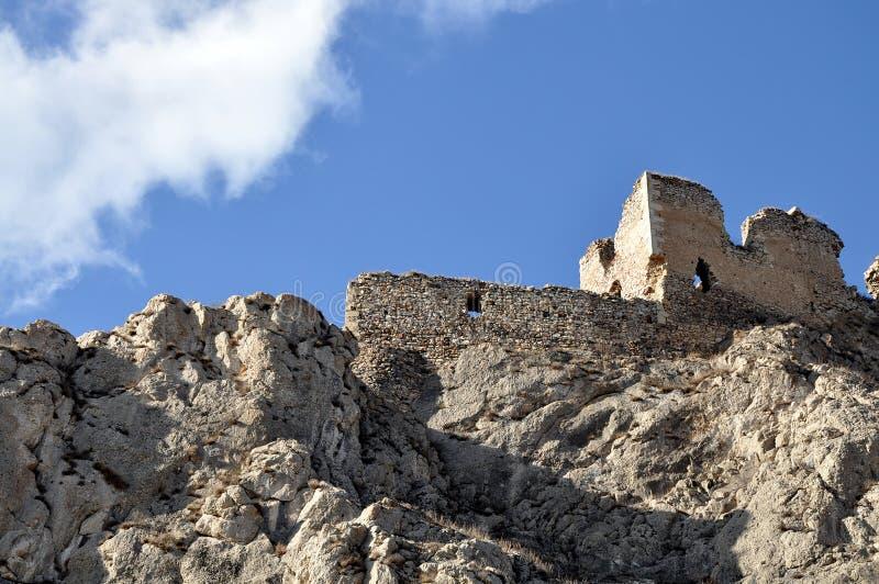 Ruines de citadelle médiévale image stock