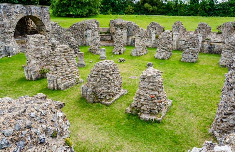Ruines de crypte à St Augustine et x27 ; abbaye de s à Cantorbéry, Kent, R-U image stock