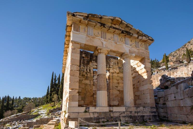 Ruines de Delphes du trésor athénien images stock
