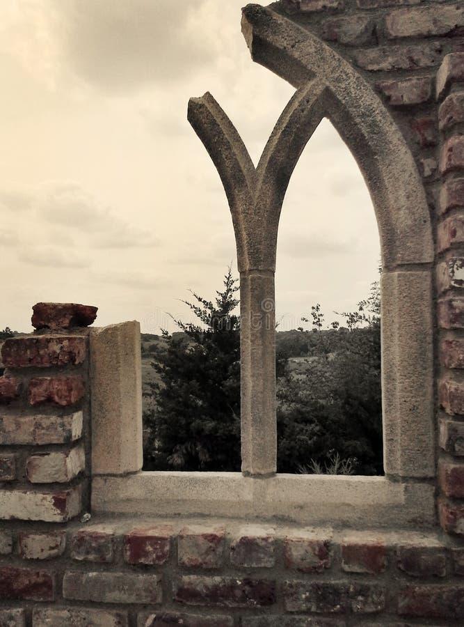 Ruines de fenêtre image stock