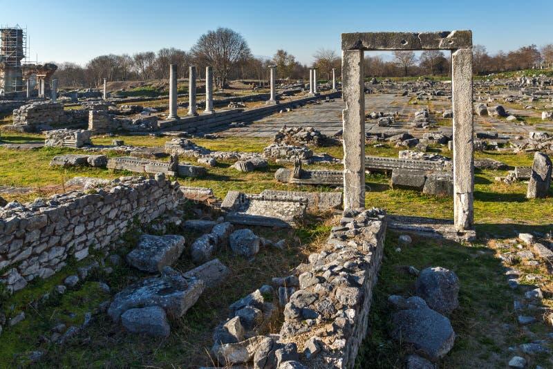 Ruines de l'entrée et du panorama du secteur archéologique de Philippi antique, Grèce photo libre de droits