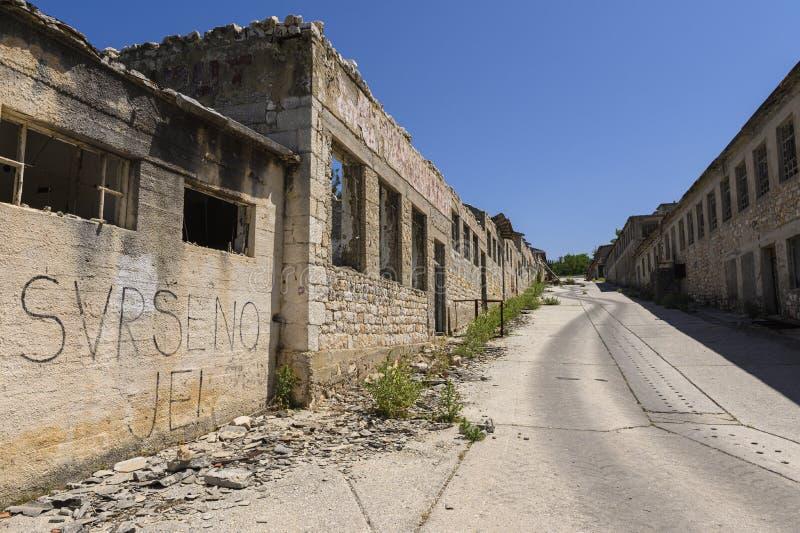 Ruines de la prison d'otok de Goli en Croatie photographie stock libre de droits