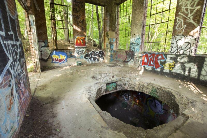 Ruines de la station électrique, rivière de Hockanum à Manchester, le Connecticut photos stock