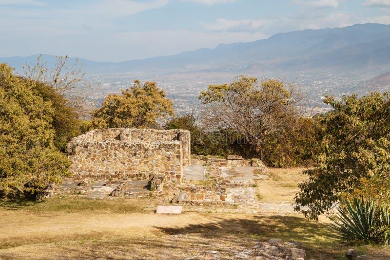 Ruines de la ville Monte Alban, Oaxaca de pré-hispanique de zapotec photos libres de droits
