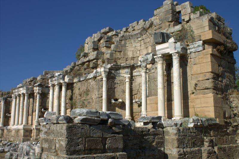 Ruines de la ville romaine grecque Côté La Turquie photos stock