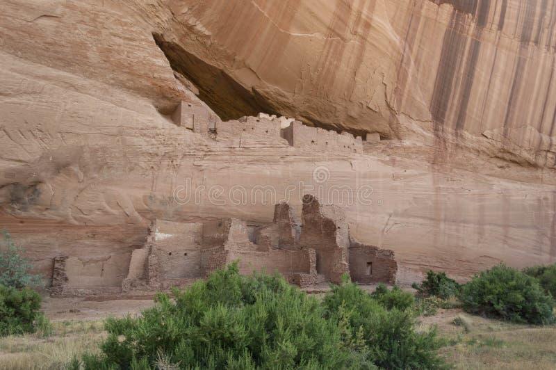 Ruines de natif américain dans un canyon image stock