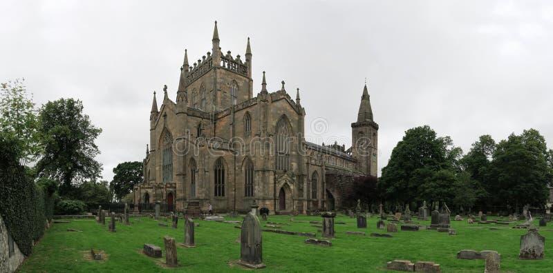 Ruines de palais et d'abbaye de Dunfermline en Ecosse images libres de droits